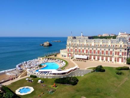 www hotel-du-palais com.jpg